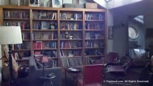 NealCaffreybookshelves